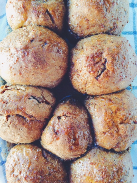 Sourdough soft cinnamon quick bread rolls